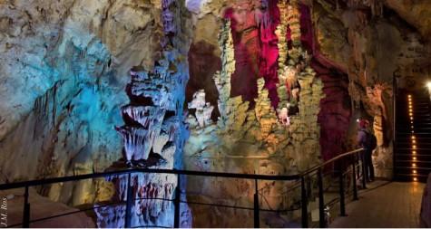 las-cuevas-de-canelobre-750x400
